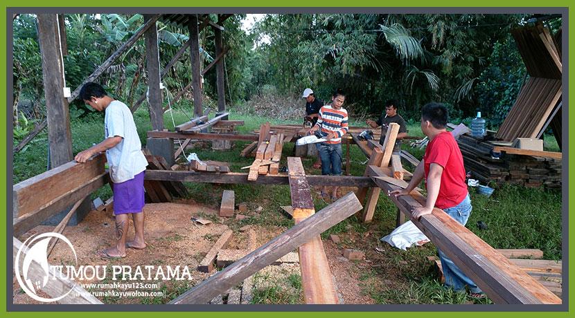 Proses Pekerjaan Rumah Kayu di Manado Airmadidi