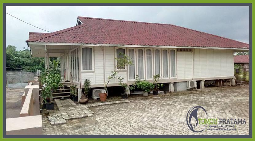 Rumah Kayu di Jakarta